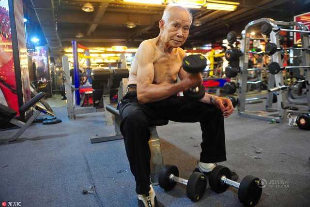 muscle_grandpa_returns