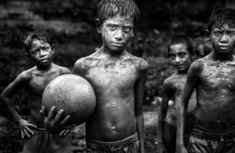 20161104141813Bangladeshfoot