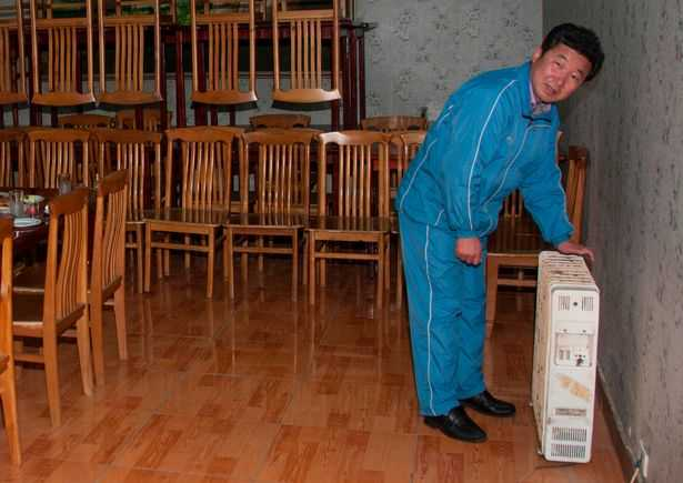 PAY-AIRBNB-IN-NORTH-KOREA (13)