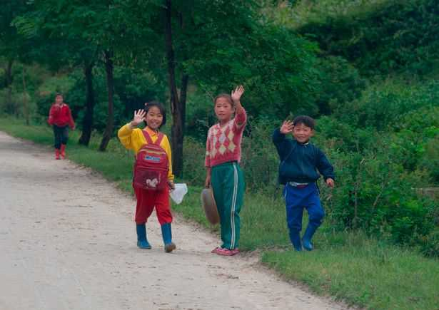 PAY-AIRBNB-IN-NORTH-KOREA (2)