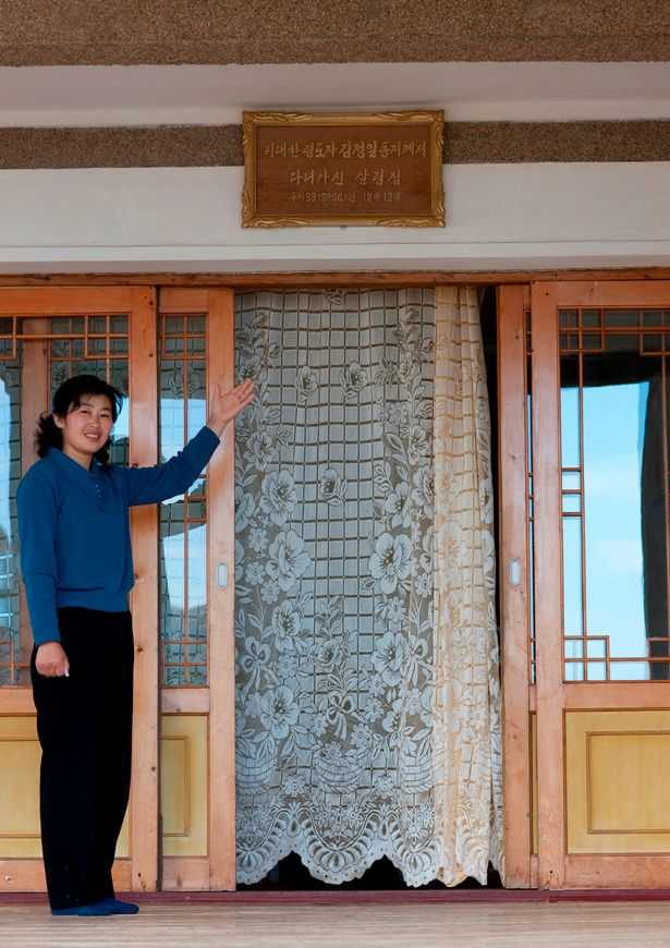 PAY-AIRBNB-IN-NORTH-KOREA (6)