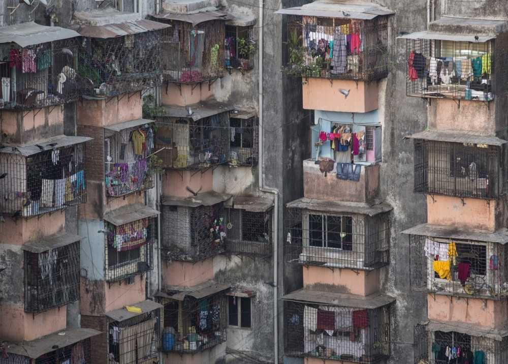 dharavi-a-locality-in-the-middle-of-mumbai-india-is-one-of-the-largest-slums-in-asia-more-than-a-million-people-live-there