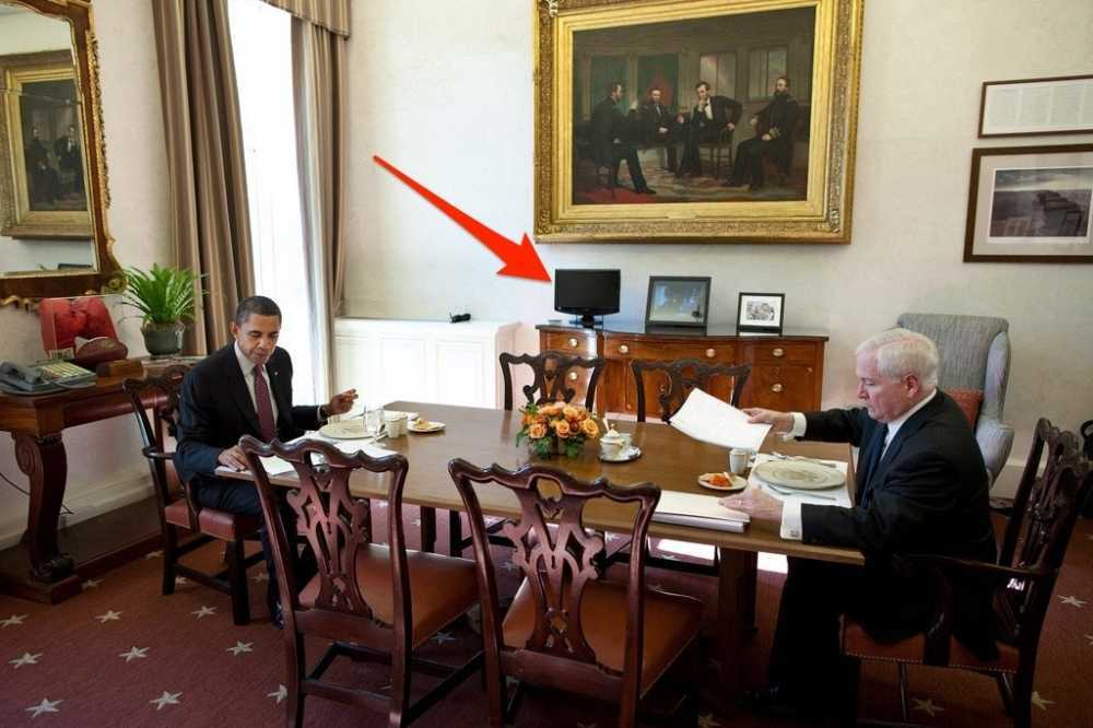 he-apparently-had-a-much-larger-tv-installed-in-the-presidential-dining-room-so-he-can-watch-cable-news-during-lunch