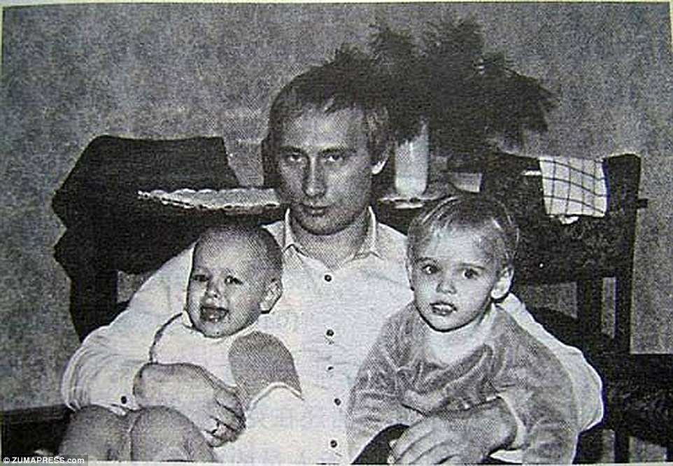 42DDDDBE00000578-4749280-His_most_beloved_Putin_s_ex_wife_has_told_the_President_s_own_of-a-94_1501581607547 12