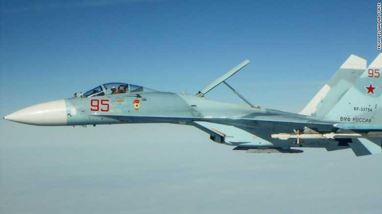Cận cảnh Su-27 Flanker của Nga ở vùng Biển Baltic