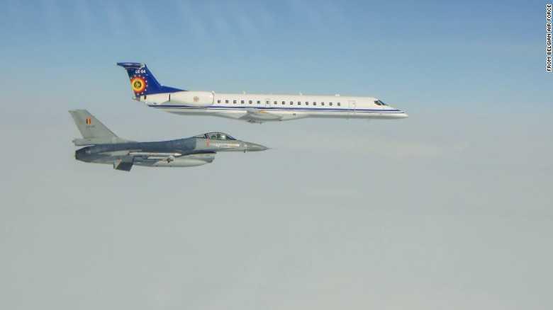F-16 của Bỉ tiếp cận máy bay vận tải Nga