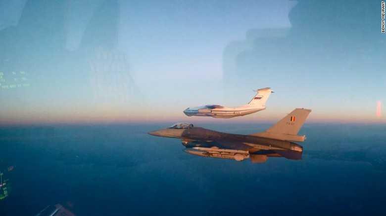 F-16 của Bỉ áp sát Il-76 của Nga