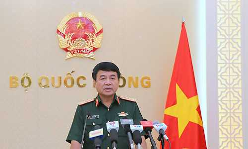 Thượng tướng Võ Văn Tuấn trong cuộc tiếp xúc báo chí chiều 24/6