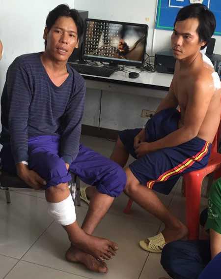 Hai ngư dân bị thương