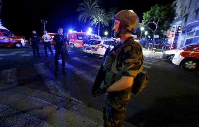 Lực lượng an ninh tại hiện trường vụ lao xe vào đám đông