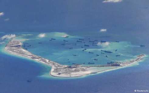 Hoạt động xây dựng, bồi lấp đảo nhân tạo trái phép của Trung Quốc ở Đá Vành Khăn thuộc quần đảo Trường Sa của Việt Nam