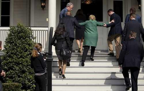 Ro tin don xau ve suc khoe ba Hillary Clinton