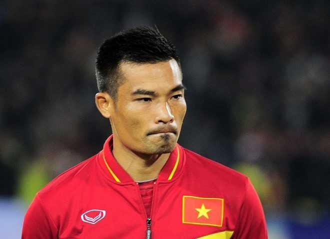 Trung vệ Trương Đình Luật sẽ không thi đấu ở trận bán kết lượt đi tối 3/12. Ảnh: Quốc Bảo.