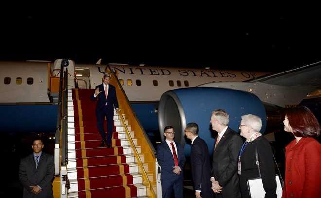Ngoai truong My John Kerry da den Ha Noi hinh anh 1