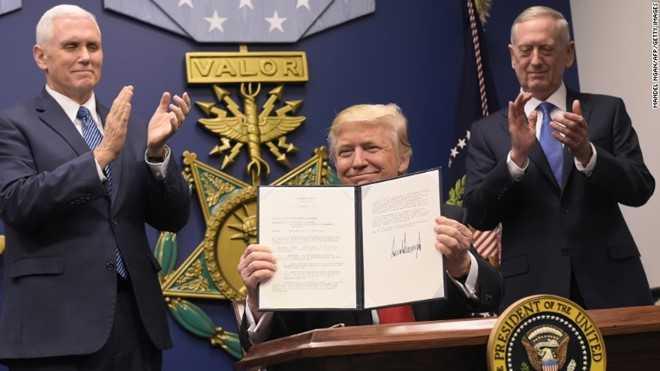 Toa an chan dung lenh cam nhap cu cua Trump tren ca nuoc hinh anh 1
