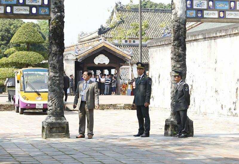 Hình ảnh ấn tượng Nhật hoàng và Hoàng hậu thăm Đại nội Huế ảnh 9