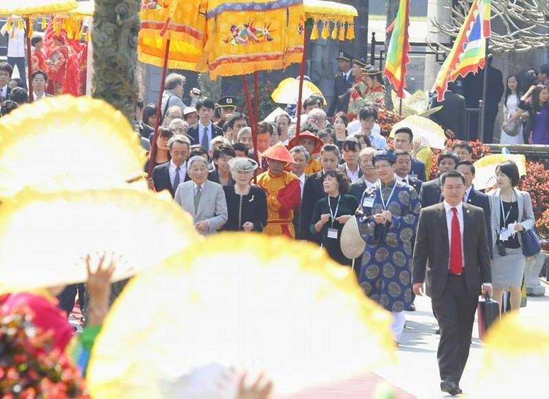 Hình ảnh ấn tượng Nhật hoàng và Hoàng hậu thăm Đại nội Huế ảnh 4