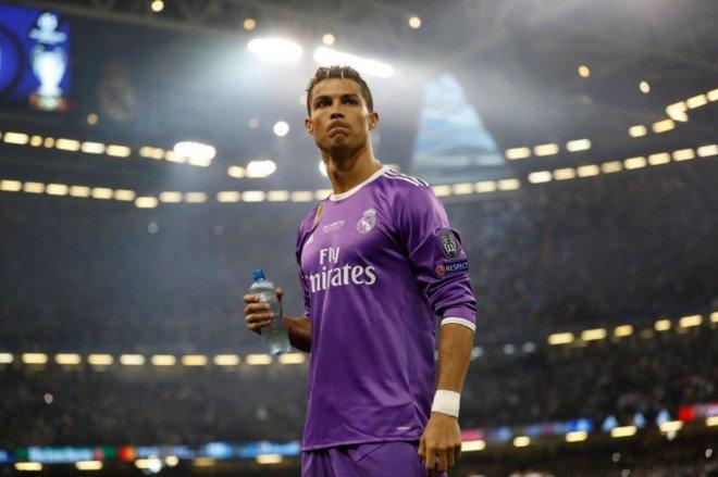 'Ronaldo khong the tim thay doi bong nao tot hon Real' hinh anh 1