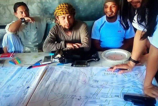 Thu linh phien quan Philippines van tron o nha tho tai Marawi hinh anh 1