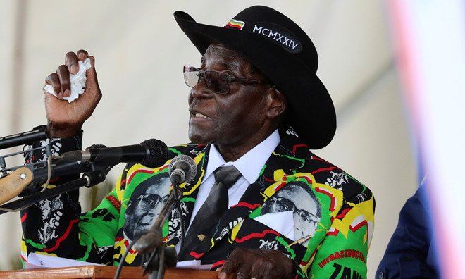 Tong thong 93 tuoi cua Zimbabwe van tranh cu sau 30 nam tai vi hinh anh 1