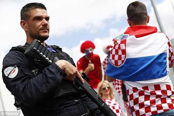 1466173621772_lc_galleryImage_Football_Soccer_Czech_Rep