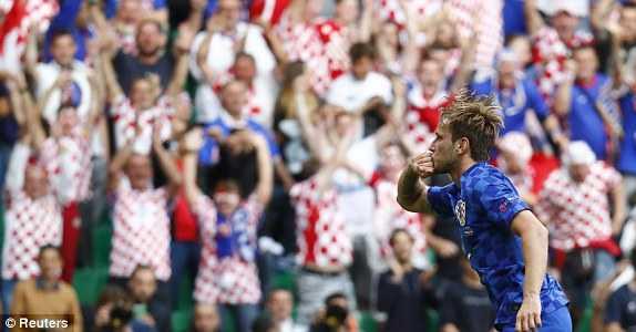 1466184045558_lc_galleryImage_Football_Soccer_Czech_Rep