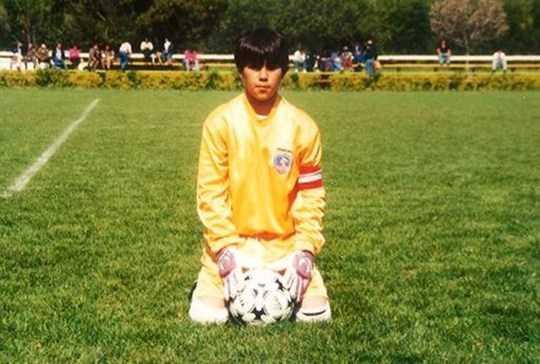 Ngay từ bé ước muốn của Bravo đã là trở thành cầu thủ chuyên nghiệp