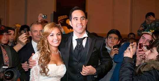 Nhờ sự chất phác, Bravo đã lấy được người vợ xinh đẹp đảm đang và cả hai vẫn đang hạnh phúc sau 13 năm
