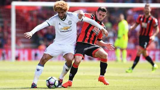 Fellaini đang trở thành chốt chặn đáng tin cậy nơi tuyến giữa Man United