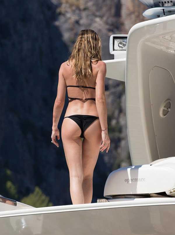 Người mẫu 30 tuổi sở hữu chiều cao cùng thân hình đáng mơ ước.