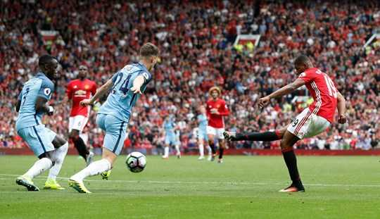 Nhưng khi Mourinho cất Mata, cầu thủ ông ghét, lên băng ghế dự bị, Man Utd lập tức nếm trải 3 trận toàn bại, khỏi đầu là derby Manchester