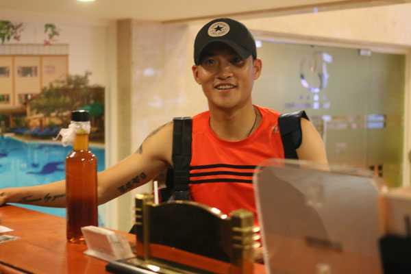 Công Vinh chia sẻrất hào hứng và chuẩn bị sẵn sàng cho chiến dịch AFF Cup 2016 -đấu trườnganh trải qua đầy đủ khoảnh khắc vinh quang, buồn tủi. Tuybước vào tuổi 'băm', CôngVinh vẫn là cầu thủ rất quan trọng của tuyển Việt Nam từ thời HLV Miura và nay