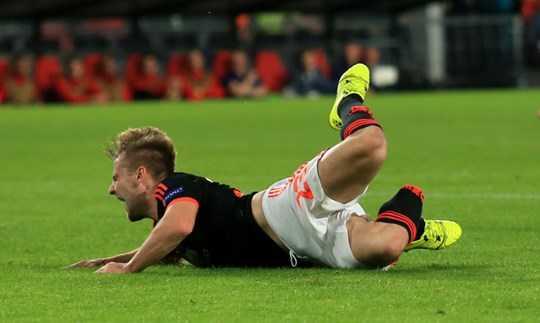 Chấn thương kinh hoàng đã cướp đi của Shaw đà thăng tiến cũng như sự tự tin