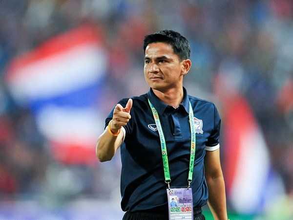 Thái Lan 'dọa' cả Đông Nam Á bằng quân luật kỳ lạ trước AFF cup 2016