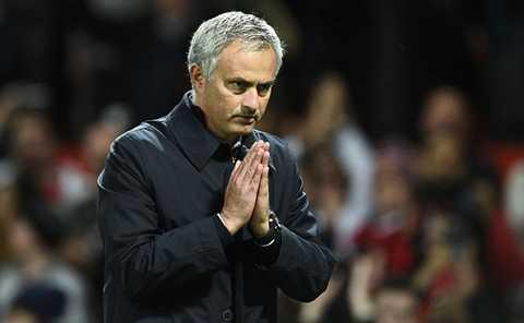 Mourinho vẫn đang loay hoay chưa tìm ra công thức chiến thắng cho M.U