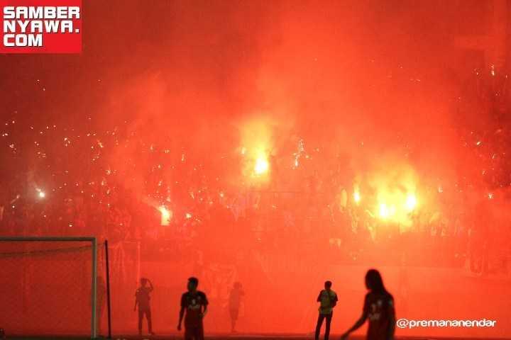 Dukung Persis Solo, Jangan Bawa Flare, Smoke dan Laser ke Stadion Manahan