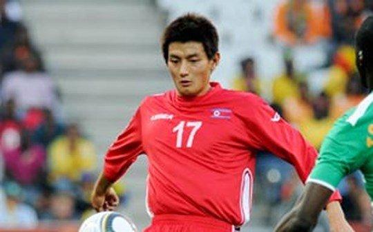 An Yong-hak cũng là 1 zainichi được tập hợp để đưa bóng đá Triều Tiên phát triển