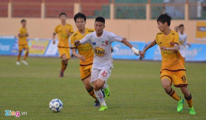 Hinh anh Thay Giom: U19 HAGL Arsenal JMG hien tai khong co tai nang nhu Cong Phuong
