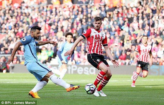 Hinh anh Link xem truc tiep Southampton vs Man City vong 33 Ngoai Hang Anh 9