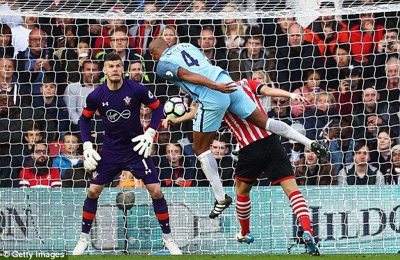 Hinh anh Link xem truc tiep Southampton vs Man City vong 33 Ngoai Hang Anh 14