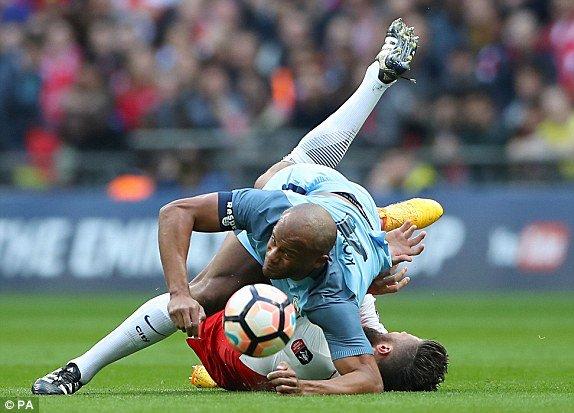 Hinh anh Link xem truc tiep Arsenal vs Man City ban ket FA Cup 2017 14