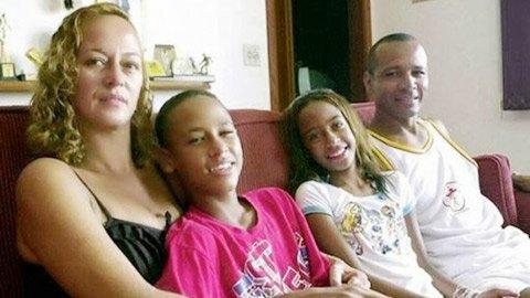 Tuổi thơ cơ cực của Neymar: Bố làm cửu vạn, mẹ nấu ăn thuê