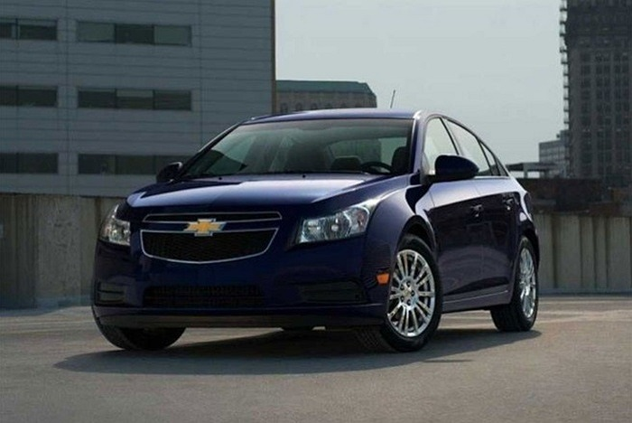 5. Chevrolet Cruze Doanh số dự kiến năm 2013: 729.000 xe