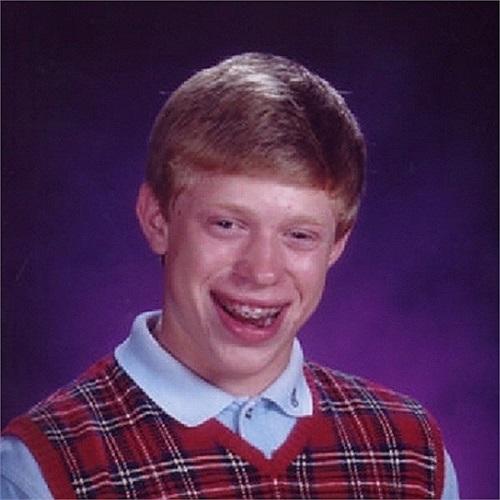 Bad Luck Brian là nhân vật đầu tiên - nổi tiếng trong cộng đồng mạng Việt với biệt danh 'thánh nhọ'. Hình ảnh của Brian được sử dụng để nói về những điều kém may mắn, đen đủi trong cuộc sống khiến người trong cuộc chẳng biết làm gì ngoài tự cười chính mình. Được biết, Kyle là tên thật của cậu bé, tấm ảnh này được cũng chính là ảnh kỷ yếu năm lớp 7 của Kyle.