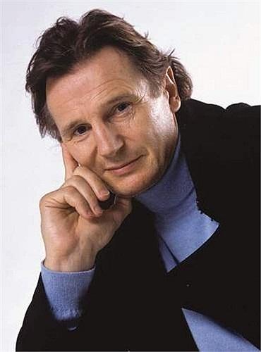 Liam John Neeson là diễn viên nổi tiếng người Ailen, ông từng được đề cử nhiều giải thưởng như Oscar, BAFTA và 3 giải Quả Cầu Vàng. Kingdom of Heaven, Taken, Clash of the Titans, The A-Team, Unknown - là một vài trong rất nhiều phim Hollywood có sự góp mặt của ông.