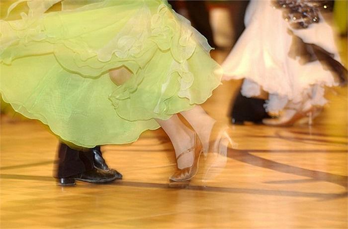 Thành phố Vienna, Áo chào đón năm mới trong các phòng khiêu vũ. Lễ hội 'Grand Ball' tại đây diễn ra ở Cung điện Hofburg, với buổi biểu diễn âm nhạc cổ điển, múa ba lê đặc sắc..