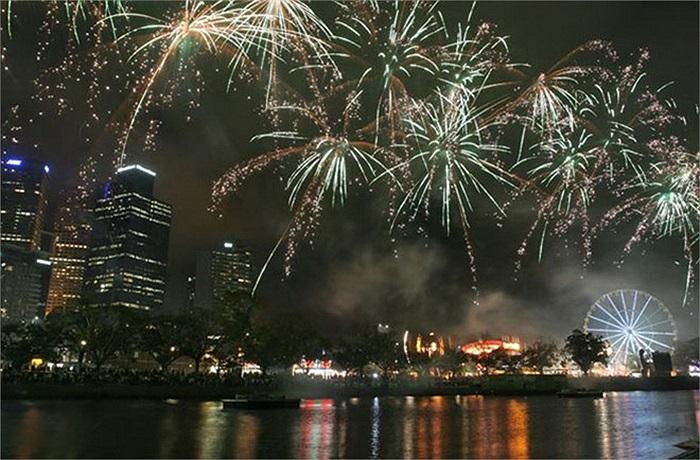 Yarra Park ở Melbourne, Australia cũng là một địa điểm mà người ta không thể bỏ qua trong đêm giao thừa. Các hoạt động đặc sắc - như phát quà năm mới, hóa trang và một cuộc trình diễn nghệ thuật sắp đặt - luôn diễn ra tại đây.