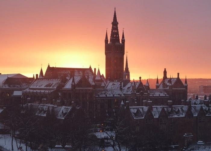 Trường đại học Glasgow, Anh.