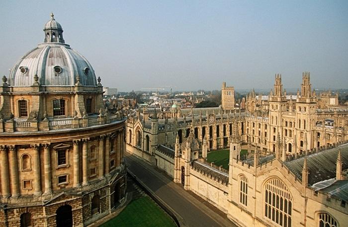 Trường đại học Oxford, Anh.