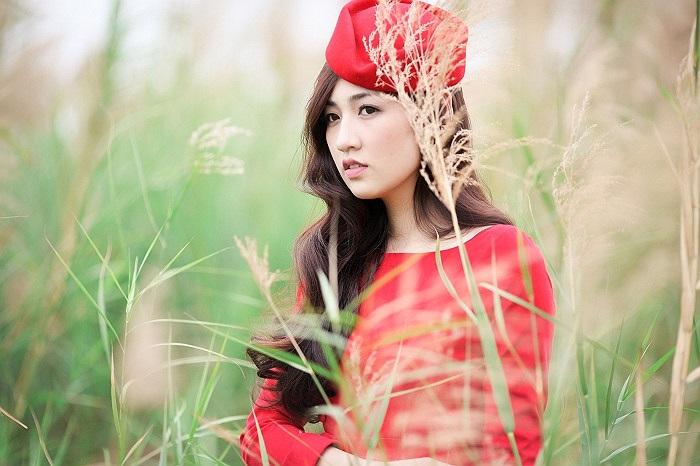 Người đẹp khoe nhan sắc rạng ngời không tì vết.